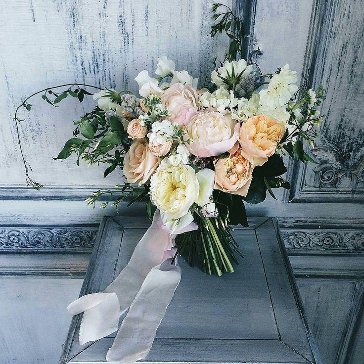Love this bouquet!  @pearlblum #weddinginspo #bridalinspo #weddinginspiration #weddingideas #weddingplanning #weddingday #instawedding #instabride #bridetobe #bridal #bride #engaged #engagement #flowers #weddingflowers #bouquet #bridalbouquet #bridesmaids #bridesmaidsbouquet #weddingcolors #springwedding #summerwedding #beautiful