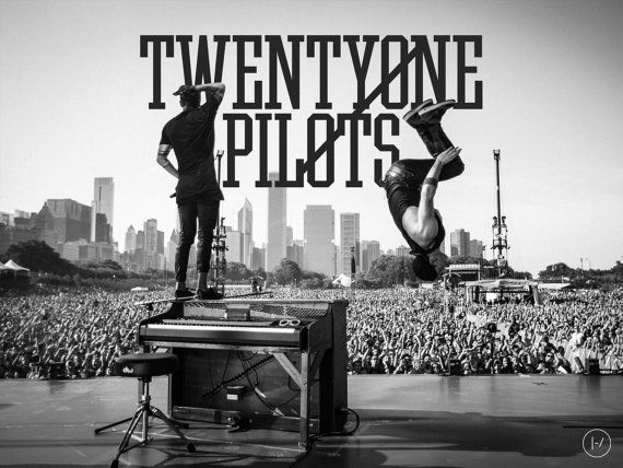 Twenty One Pilots  Lollapalooza 2015 Poster door Honeyhiveprinting