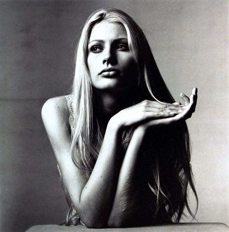 kirsty-hume-by Irving Penn Vogue August 1995