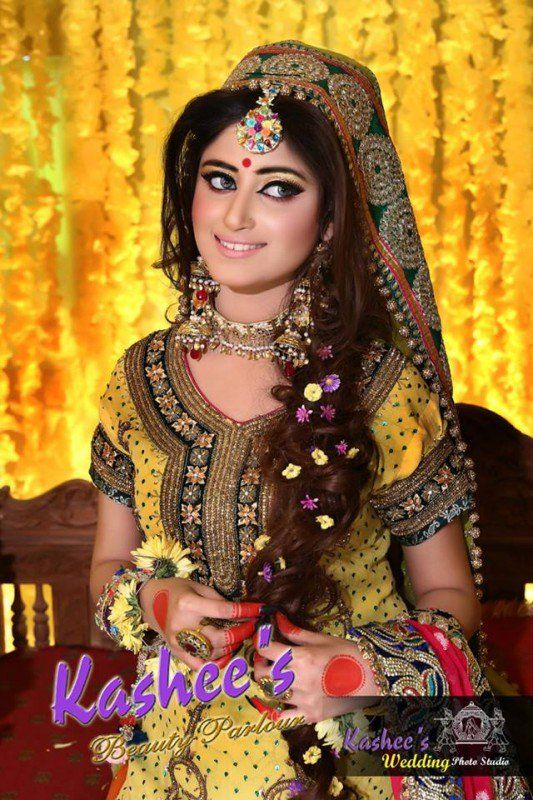 Latest Makeup Ideas for Mehndi event | Style.Pk