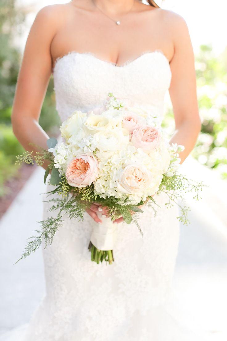 Photography: Amalie Orrange Photography - amalieorrangephotography.com  Read More: http://www.stylemepretty.com/2014/11/17/romantic-alfond-inn-wedding/