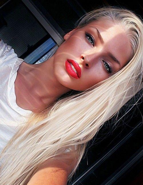 pretty red lips