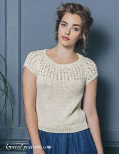 Summer top free knitting pattern - Aran weight yarn