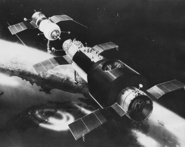 Artist's concept of Soyuz 10 approaching the Salyut 1/DOS space station in April 1971. Image Credit: Roscosmos