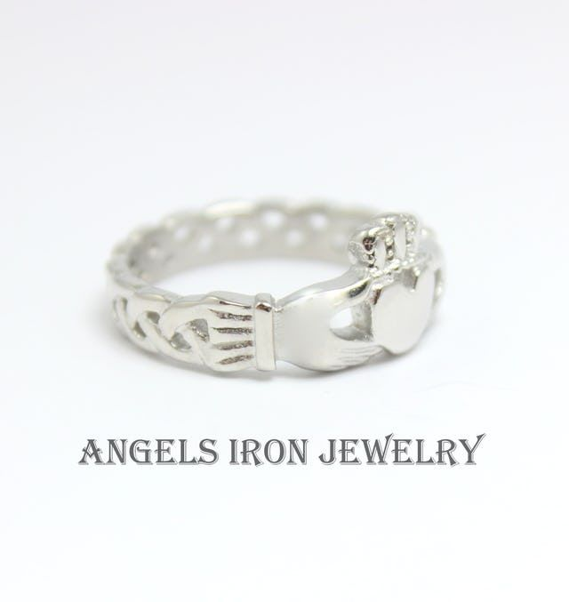 Claddagh Ring Stainless Steel Women Irish Celtic Engagement Wedding Anniversary Promise Rings Heart Crown Hands Love