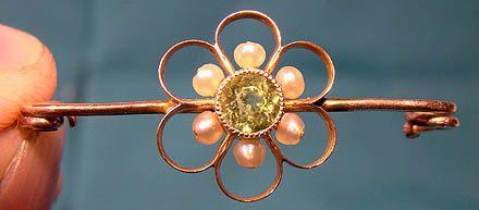 Antique Edwardian 10K Peridot and Pearls Bar Pin 1900