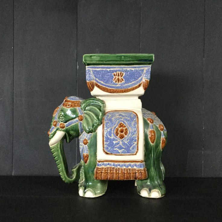Een persoonlijke favoriet uit mijn Etsy shop https://www.etsy.com/nl/listing/269983855/vintage-13-hoge-keramische-aziatische