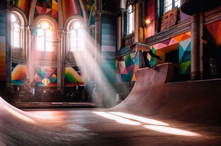 Скейтеры и художники в муниципалитете Льянера в Испании объединились, чтобы превратить заброшенную церковь в современный крытый скейт-парк.     #церковь  #испания  #скейтпарк  #redbull  #окудасанмигель