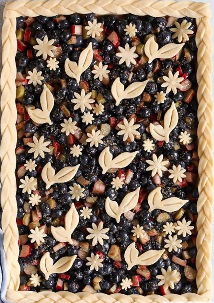 Slab Pie Beautiful Crust Flowers Pie Crust Designs Slab Pie Pie Decoration
