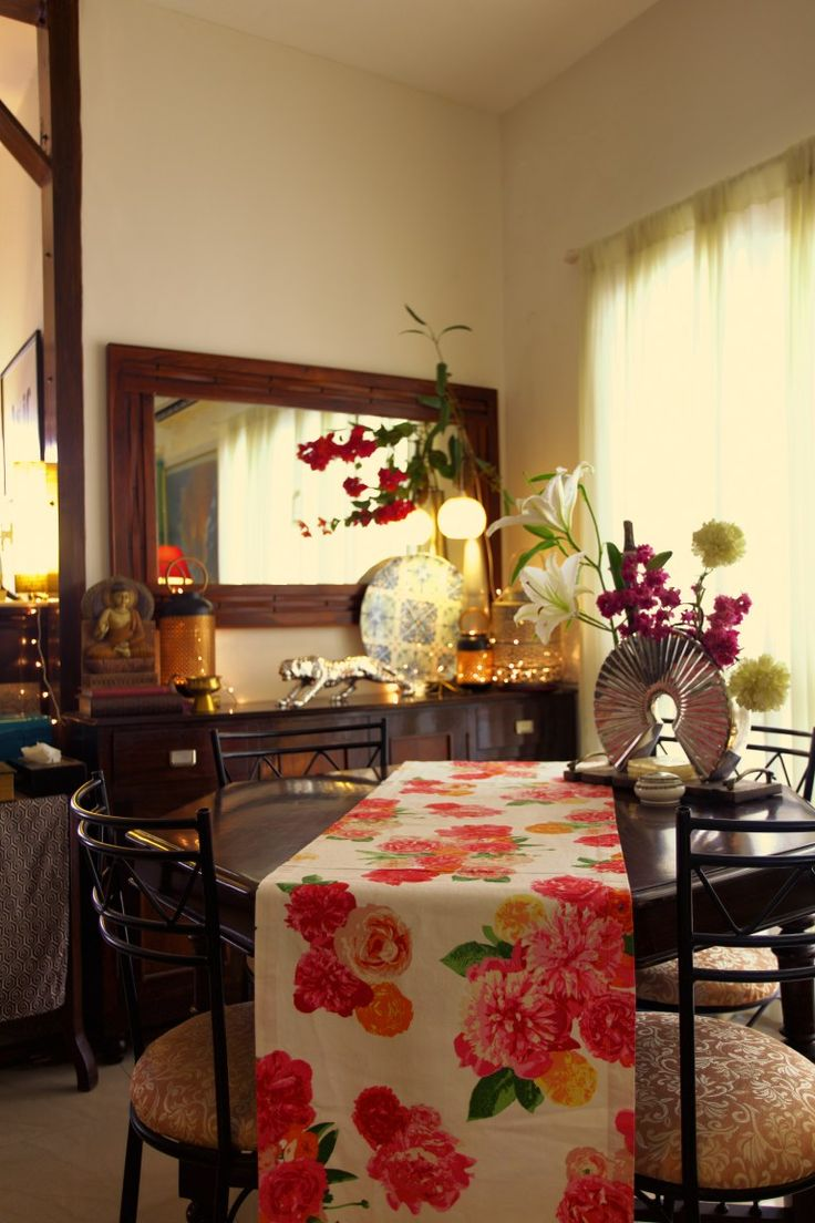 Sujatha and Bharath live in their 1500 sqft flat in Madras (Chennai). Are you stuck on the title? I agree, it is a bit cryptic, but when you read through this home tour, and see the photogra…