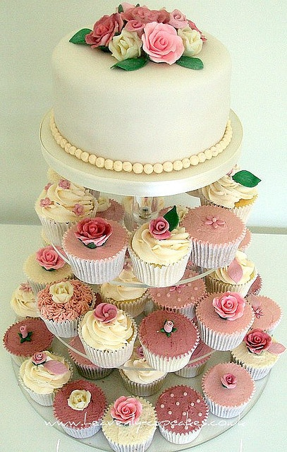 Vintage Wedding Cupcakes-Nottingham by Heavenly-Cupcakes, via Flickr