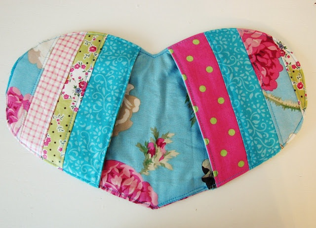 """Blue Elephant Stitches: Last Minute Birthday Gifts  """"pinch it"""" pot holder"""