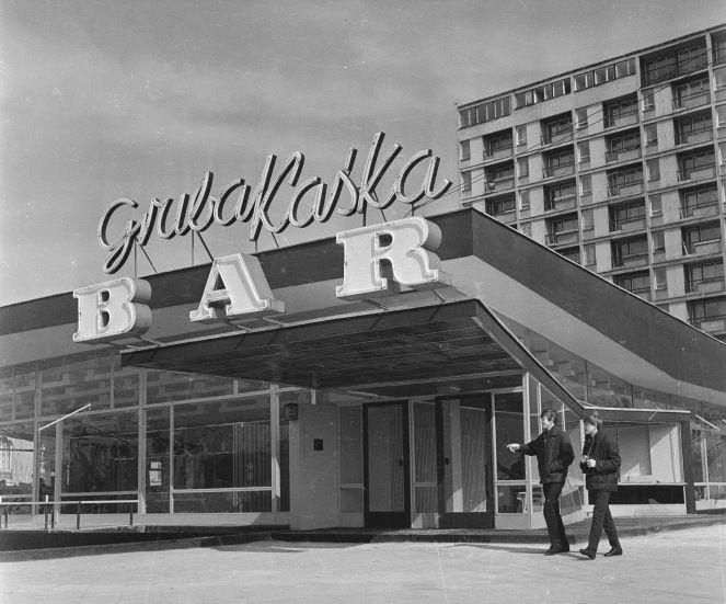 Warszawa, Nowo otwarty samoobsługowy bar gastronomiczny Gruba Kaśka przy ul. Świerczewskiego (al. Solidarności)