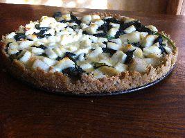Een heerlijk recept voor wilde spinazie-asperge quiche met halloumi (een geitenkaas),