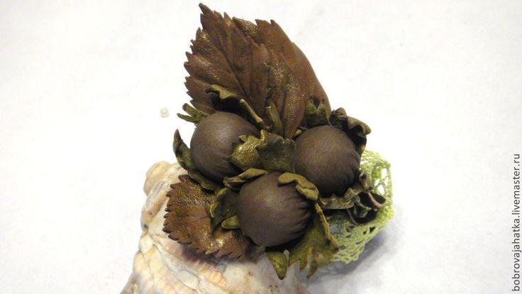 Купить Броши из кожи Три орешка Подарок подруге Женские украшения Булавка - кожаная брошь