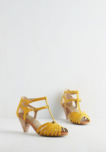 1000  ideas about Yellow Strappy Heels on Pinterest | Amal clooney ...