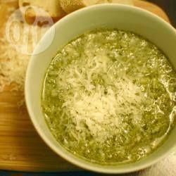 Soupe de brocoli au parmesan et citron @ allrecipes.fr
