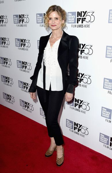 """Kyra Sedgwick Photos Photos - Kyra Sedgwick attends the 53rd New York Film Festival premiere of """"Brooklyn"""" at Alice Tully Hall, Lincoln Center on October 7, 2015 in New York City. - 53rd New York Film Festival - 'Brooklyn' - Red Carpet"""