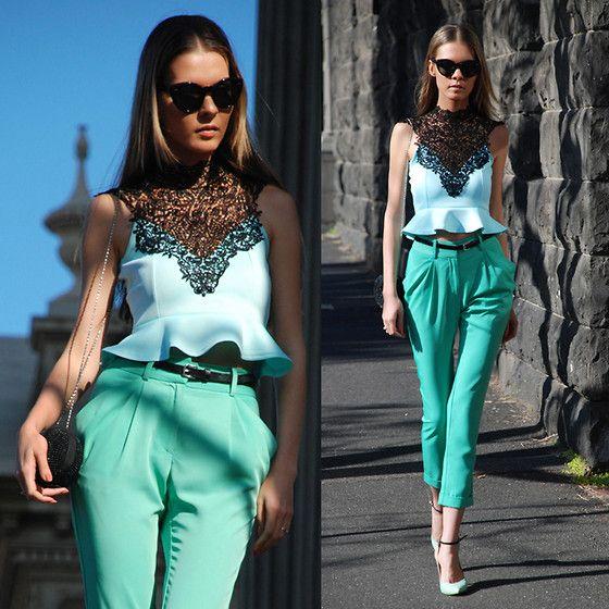 Peplum <3: Mint Pants, Mint Green, Peplum Tops, Color Combos, Peplum Color Pink, Cats Idea, Street Styles, Lace Peplum, Fashion Pictures