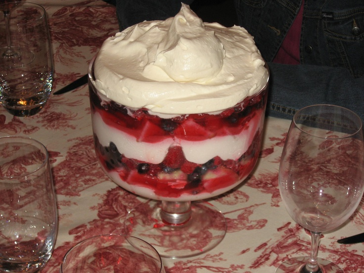 summer berry trifle. | Recipes I must make | Pinterest