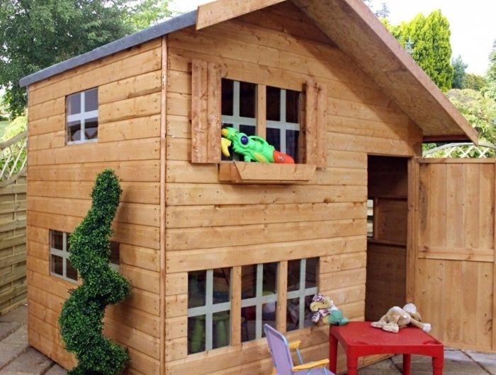 La Maisonnette En Bois Qui Aide Vos Enfants Jouer Plus Librement Maisonnette En Bois Cabane Enfant Maisonnette