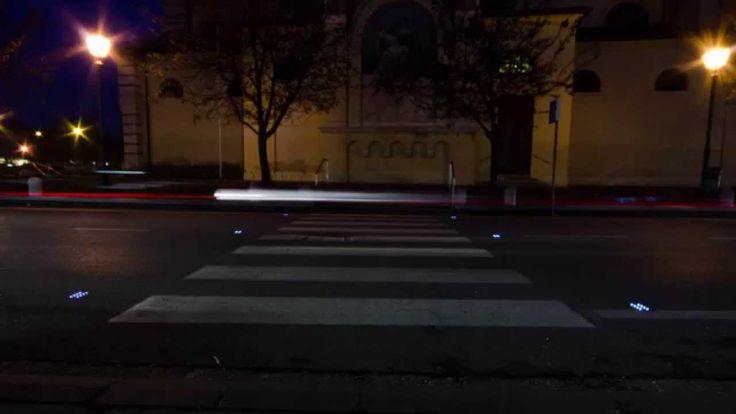 esempio di Geco da INCASSO a luce pulsata su attraversamento pedonale.  **LUCI LED A RICARICA SOLARE** www.gecoluce.it