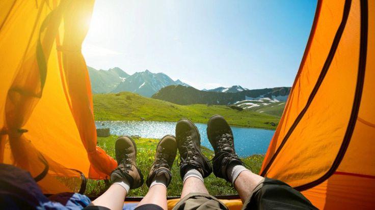 #Liste de #camping : tout ce qu'on doit apporter en camping, que ce soit pour la préparation du repas, pour le sommeil, le confort ou les loisirs.