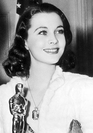 Vivien Leigh with her richly deserved Academy Award for Best Actress for Gone With the Wind (1939).
