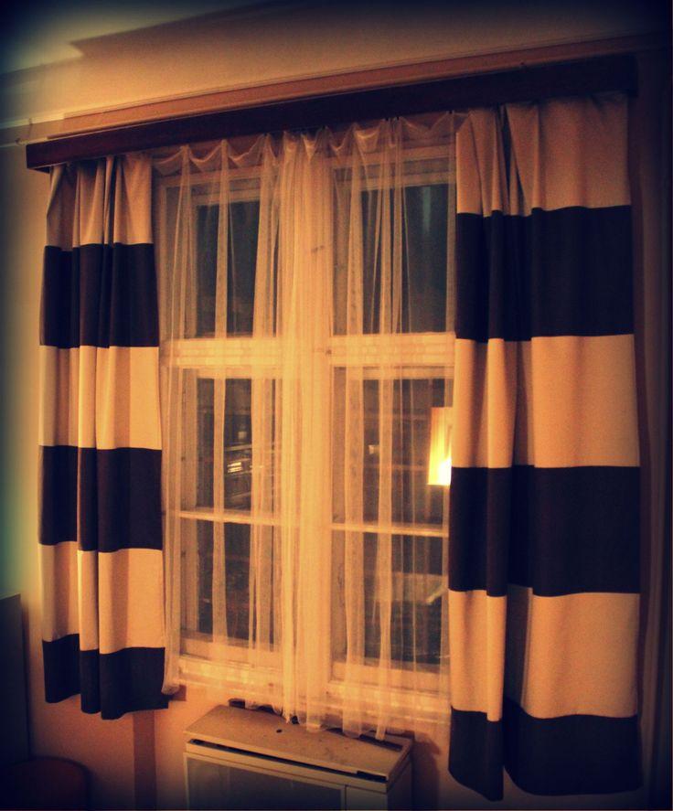 csíkos függöny