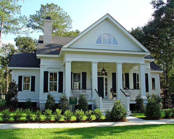 72 best federal colonial greek revival style images on for Southern homes with porches