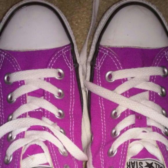 Magenta converse Purple/magenta new ladies converse (chucks) super cute worn once. Clean. Perfect condition. Converse Shoes
