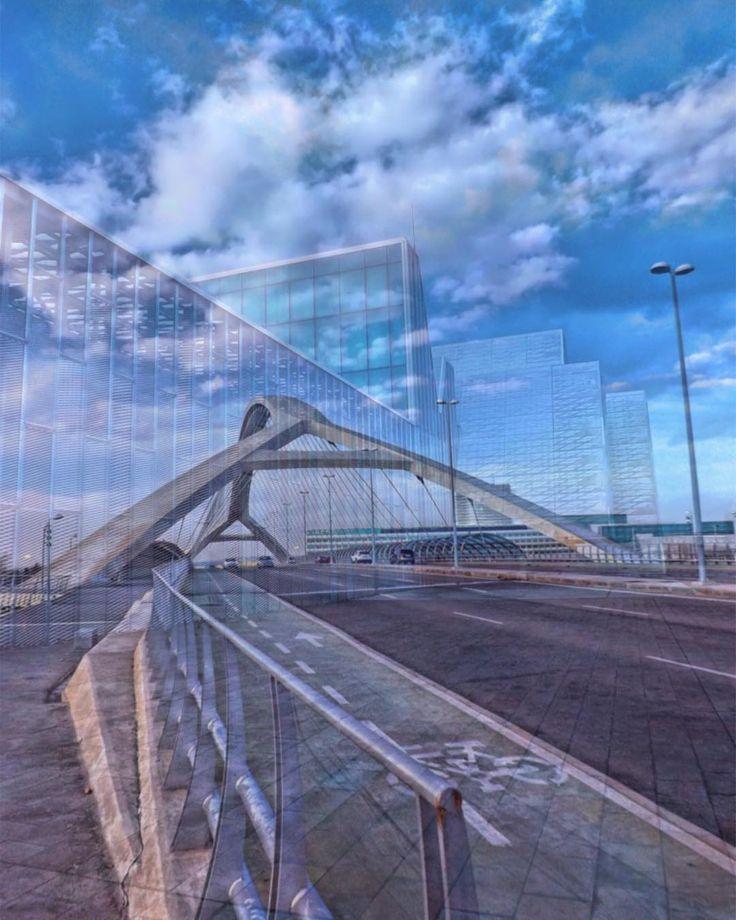 Probando aplicaciones fusión de imágenes de la #expo2008 Puente tercer milenio #perspective  Palacio de congresos #zaragoza  La app  #BlendEditor  #ok_streets #streetphotography #street  #architecture #building #architecture #city  #unpaseounafoto #instazaragoza #zaragozapaseando #zgzciudadana  #todoclick #igersaragon #igerespaña #igersspain #igersgallery  #hdr #hdr_pics #hdr_captures #hdrphotography #love_hdr_colour #ig_hdr_dreams #hdr_lovers #cs_hdr #wow_hdr  #world_besthdr…