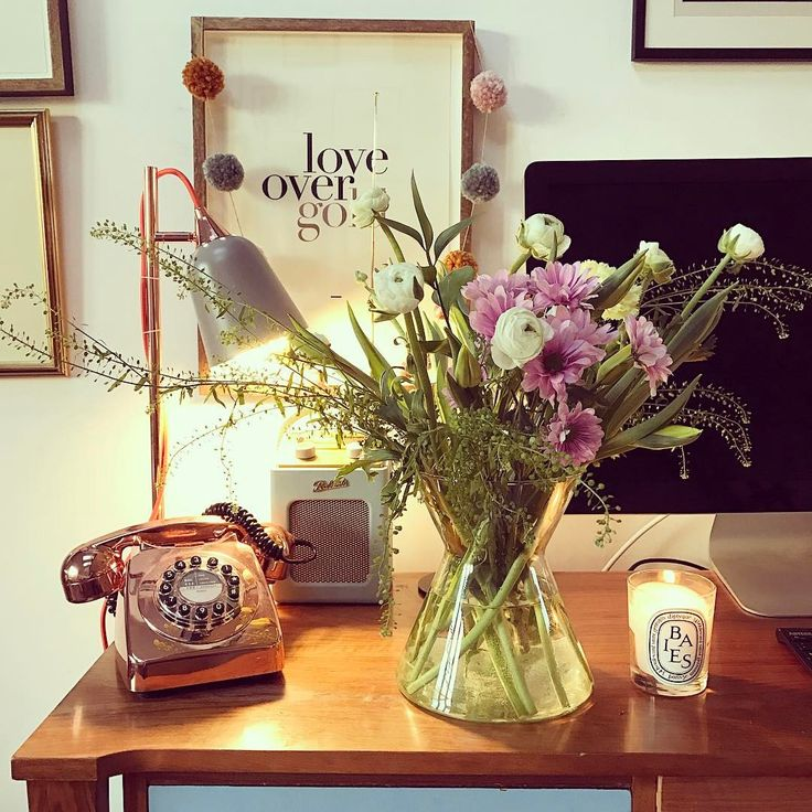 "9,842 Likes, 53 Comments - Hannah Michalak (@magsy24) on Instagram: ""We're already embracing Spring vibes in the Michalak household - fresh flowers and mini eggs galore…"""