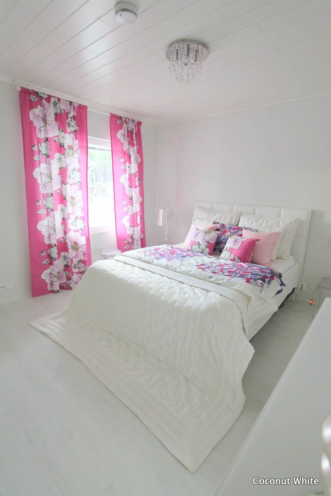 Coconut White - White bedroom with Vallila products