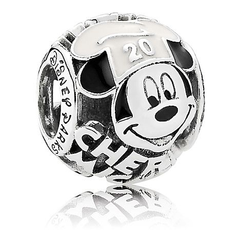 PANDORA Chef Mickey Mouse Charm Mickey Mouse cartoon pattern very cute, yet monotonous color.