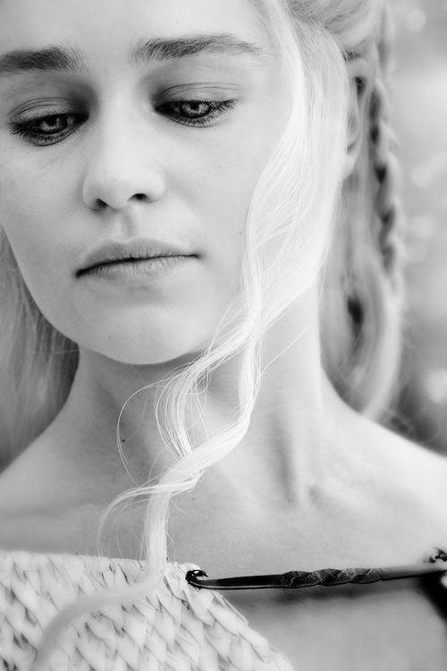 "gameofthronesdaily: ♕ Daenerys | Game of Thrones 5.02 ""La Maison du noir et blanc"" x"