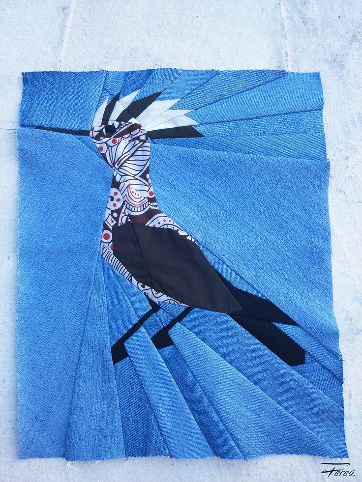 Paper pieced hoopoe quilt block by Ferea Design