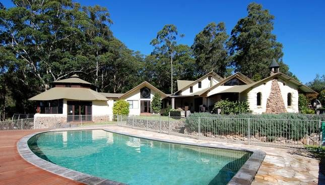 Indooroopilly - sleeps 22! Berry