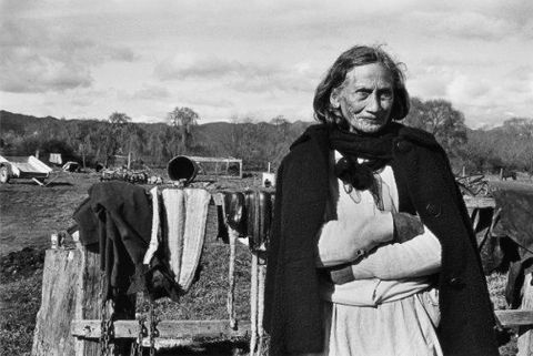 Photography Marti Friedlander. Mere Brown, Te Teko - 1970.