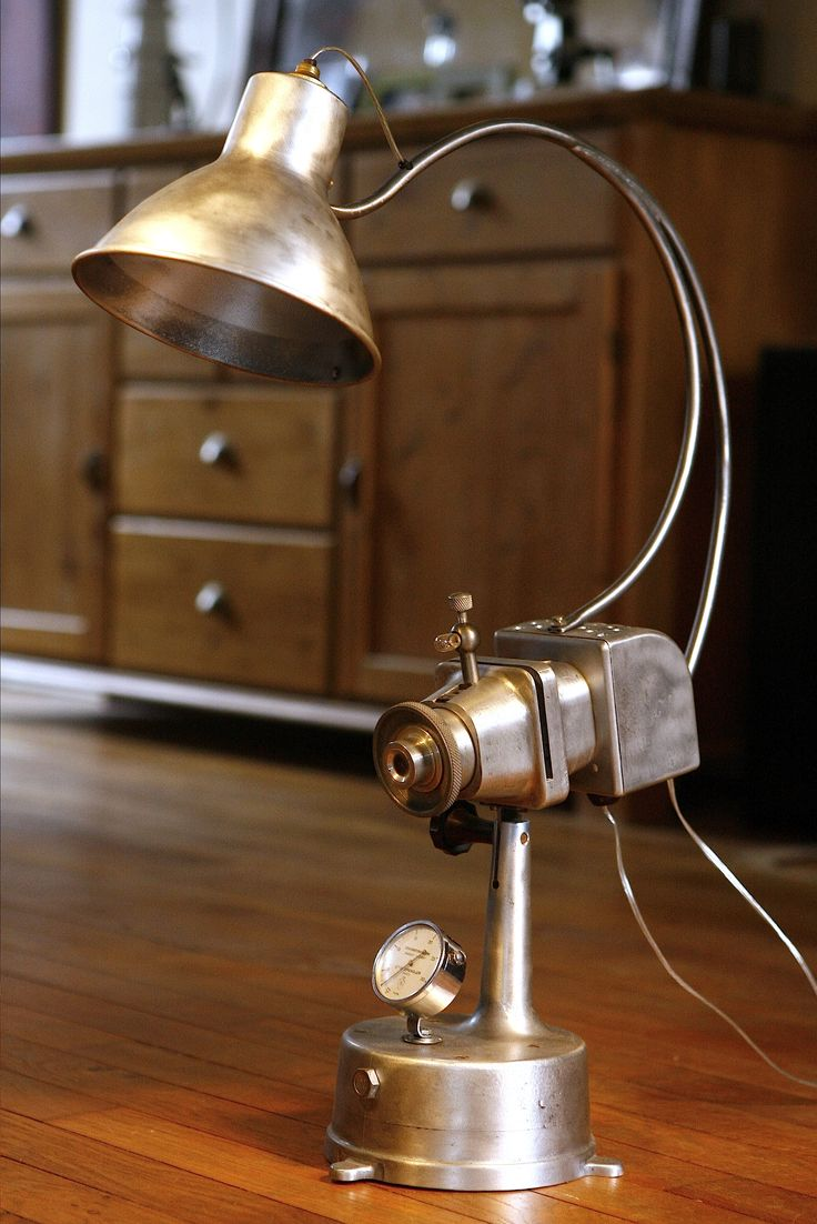 lampe r cup 39 cr e partir d 39 un ancien projecteur vintage plus de d tails sur www. Black Bedroom Furniture Sets. Home Design Ideas