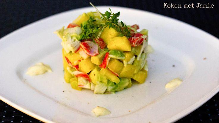 Dit torentje van krab, avocado en mango, geserveerd met gember-mayonaise is makkelijk om te maken en doet het erg goed bij een etentje of speciale...