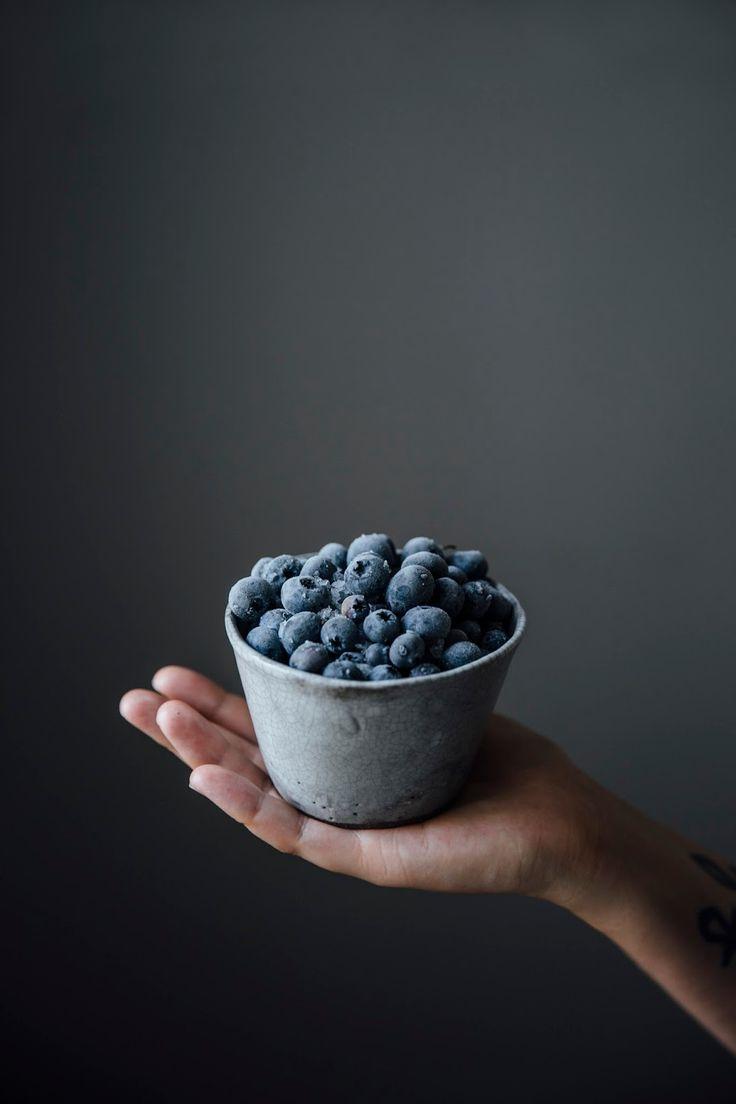 blackberry-blueberry ice-cream with banana meringue swirls