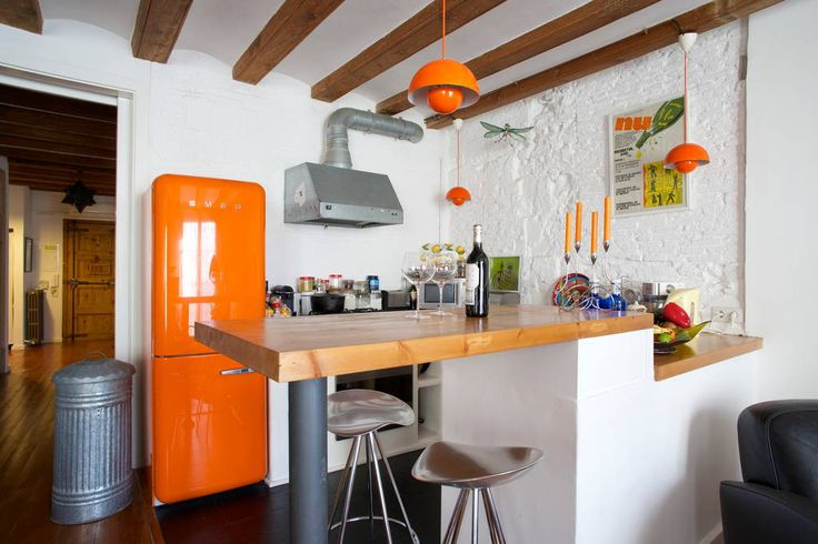 Regardez ce logement incroyable sur Airbnb : Votre chambre au coeur de Barcelone - Appartements à louer à Barcelone