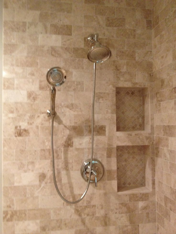 18 best images about bath ideas on pinterest travertine for Tumbled marble bathroom designs