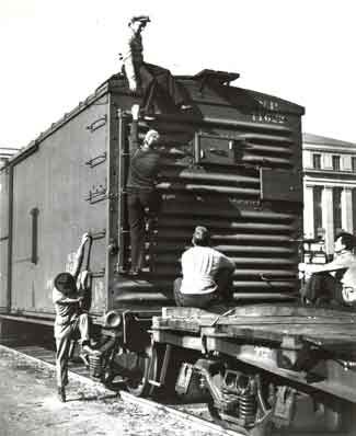 """Railroads During the Depression Era  """"Teenage Hoboes in the Great Depression."""" Listen to oral histories and view images of former transients from the National Heritage Museum's online exhibition."""