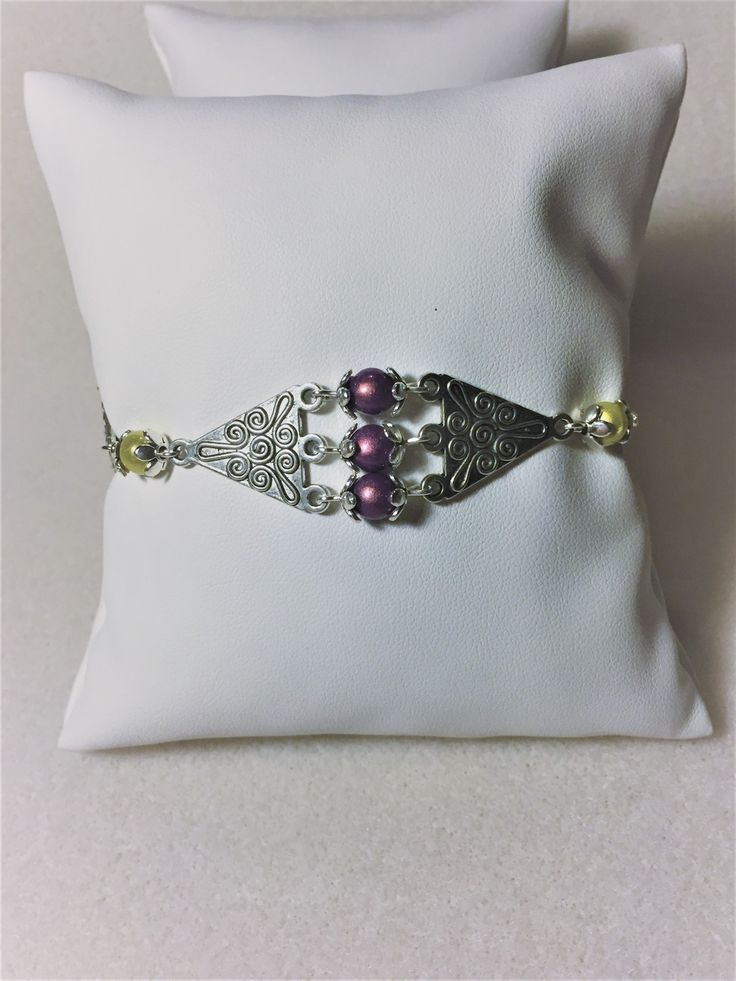 """Bracelet """"Les losanges en jaune et violet"""" : Bracelet par les-breloques-de-bel"""