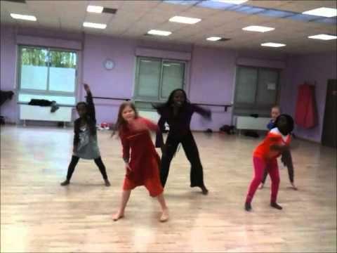 """Afrokan's Children : Cours de danse africaine enfant sur """"Fula Faré"""" - YouTube"""
