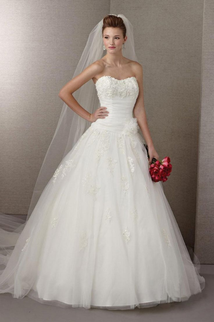 2014 Strapless A Line Wedding Dress With Ruffles And Applique Chapel Train Tulle USD 219.99 LPARGXR4T - Labeautes.com