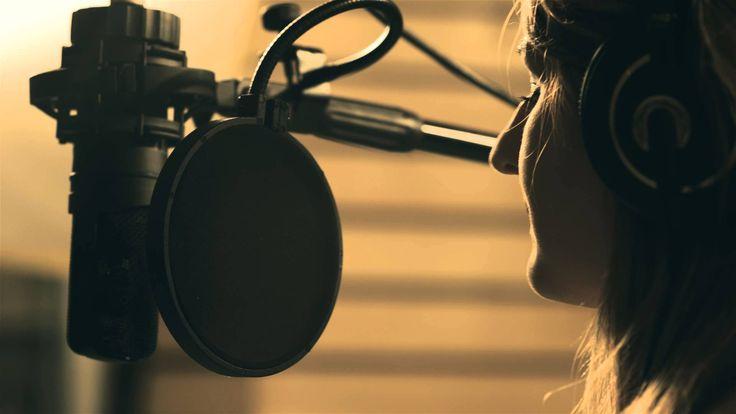Muzyka: Michał Jurkiewicz, słowa: Krzysztof Napiórkowski, Michał Jurkiewicz Śpiewają: Michał Jurkiewicz, Diana Ciecierska Grają : Damian Niewiński- bębny Łuk...