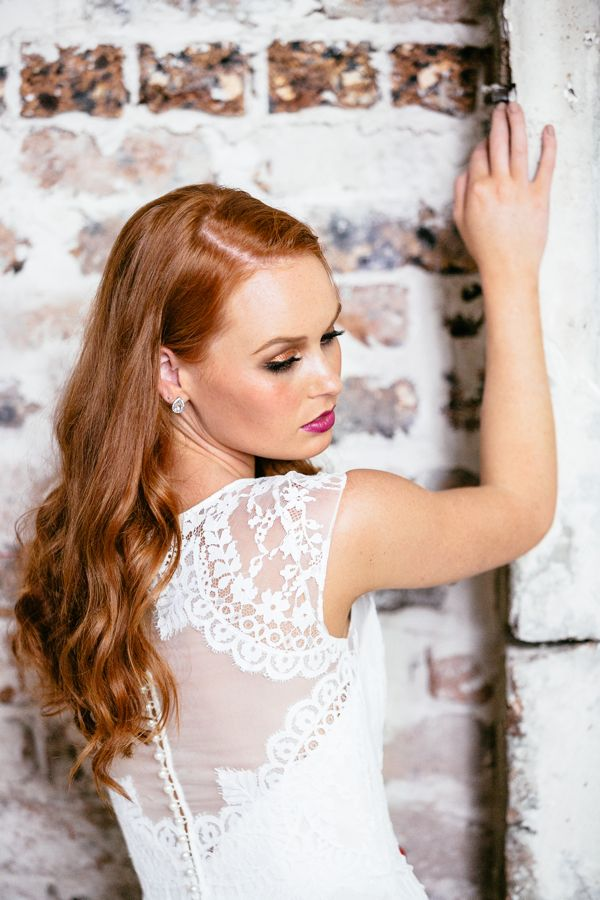 Sally Eagle 'Rosella' Available at Savvy Brides. Image by Milton Gan Photography